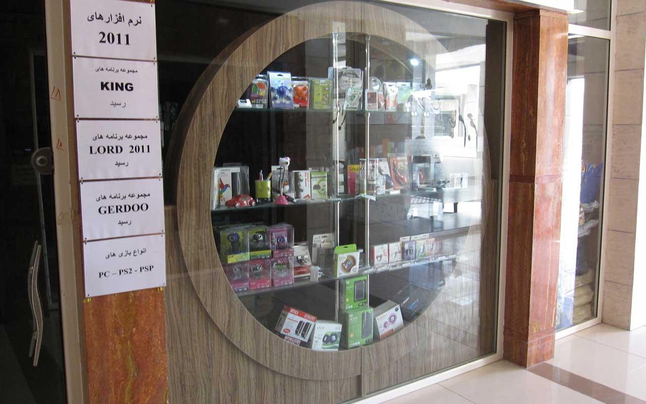 طراحی دکوراسیون ساده فروشگاهی